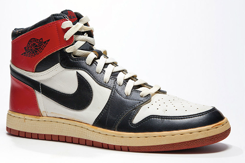 1985 Air Jordan 1 Black Toe : White : Red 800