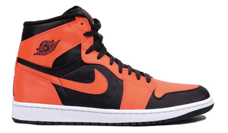 2009 Air Jordan 1 Retro High Black / Max Orange – White